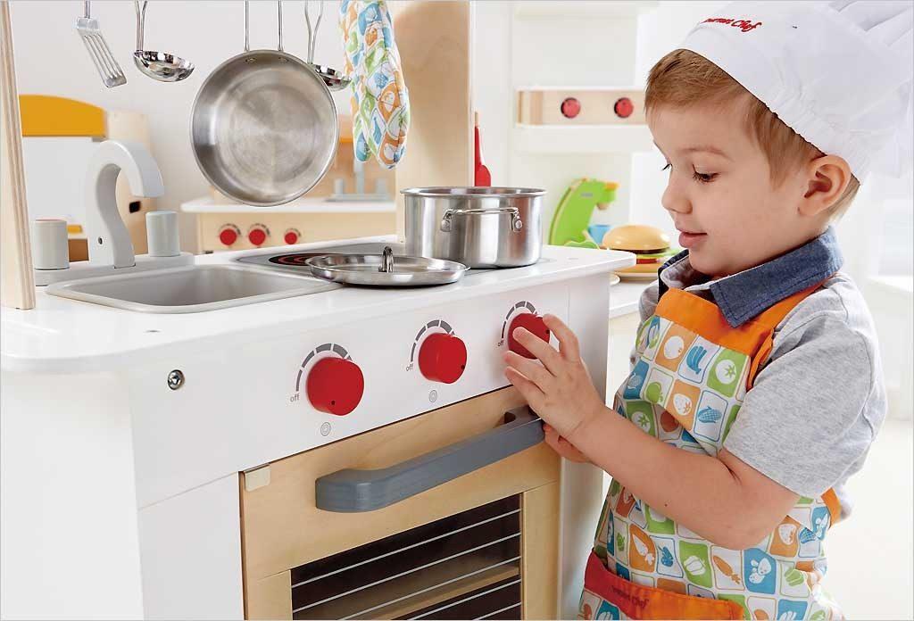 Jouet d'imitation : un besoin essentiel à l'enfant ?
